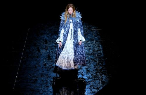 Marc Jacobs's Pitch-Black Runway Show Put a Spotlight on His Incredible Skill