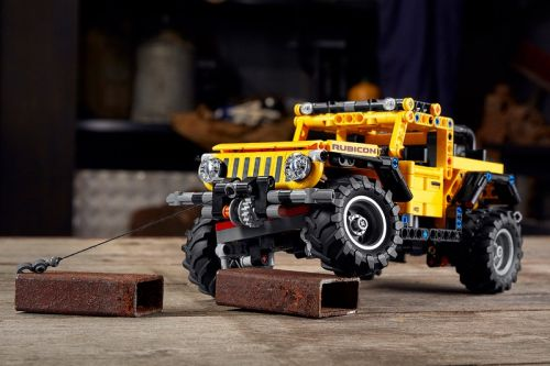 LEGO Technic's Jeep Wranger Is Almost as Good as the Real Thing