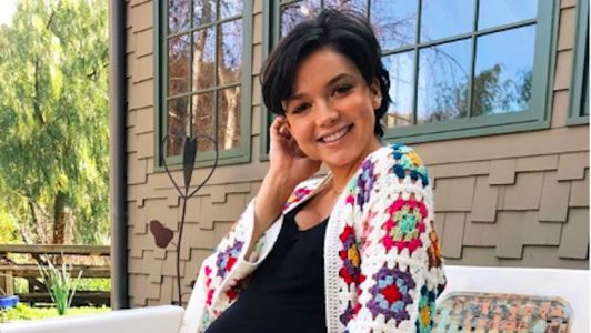 'Bachelor' Alum Bekah Martinez Feels a Lot of 'Love' For Her Postpartum Body While Posing in a Diaper