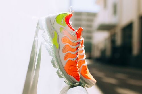 """Nike Air VaporMax Plus Adorned With """"Reverse Sunset"""" Colorway"""