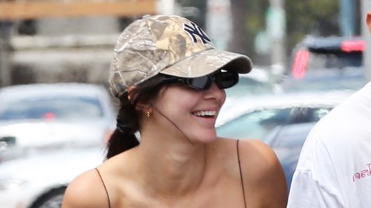 Kendall Jenner Shows Off Her Model Physique While Out to Lunch at The Cheesecake Factory