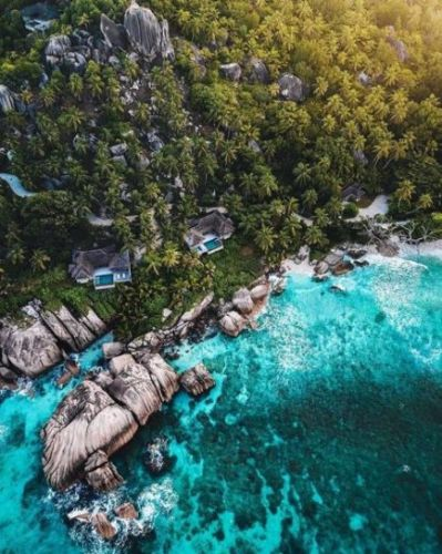 Ultra-Luxurious Sustainable Hotels in Extraordinary Settings