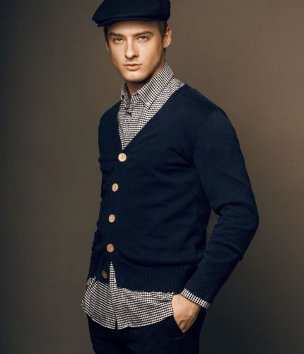 Renan Corbani Embraces Fall Style for Counting Stars Cover Shoot