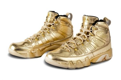 """Usher's Air Jordan 9 and 11 """"Metallic Gold"""" Samples Are up for Auction"""