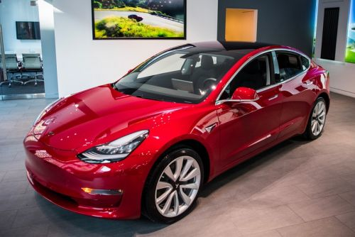 "Elon Musk Reveals Pricing & Spec Details for ""Performance"" Tesla Model 3"