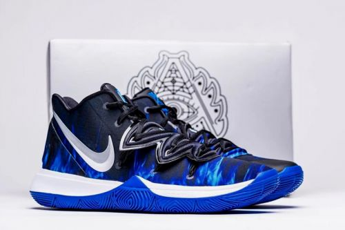 Duke's Men's Basketball Team Gets Laced With Special Nike Kyrie 5 PEs