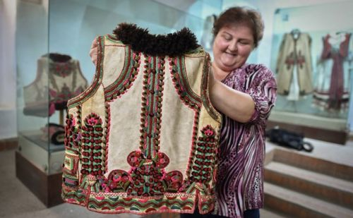 Romanian dressmakers revel in Dior folk coat vogue