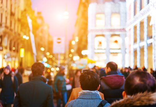 Tips to stay safe in large crowds