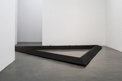 """An Inside Look at Simon Lee Gallery's """"Metal"""" Exhibition"""