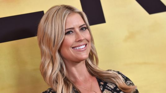 Pregnant Christina Anstead Has a Fun 'Girls Night Out' at the Beach Ahead of Her Due Date