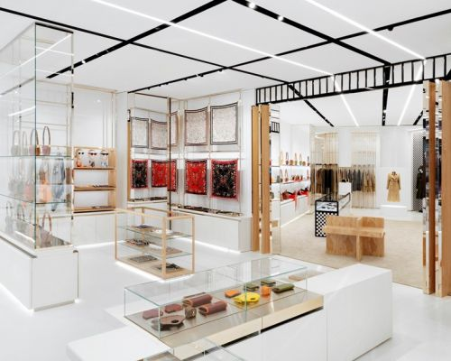 Video: Burberry flagship store at No 1 Sloane Street