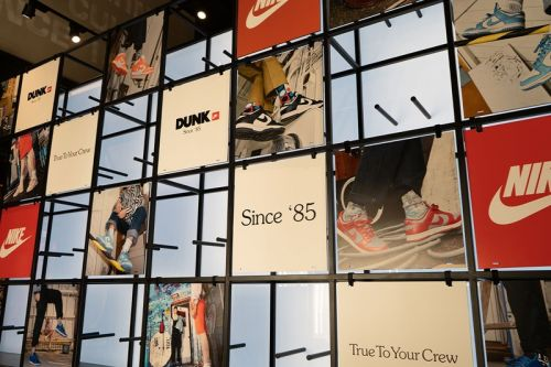 "SNIPES Celebrates New Brooklyn Store Opening with ""Dunks Since 1985"" Pop-Up Museum"