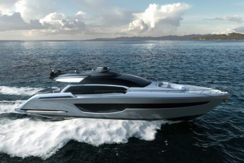 Super version of Riva 76' Perseo