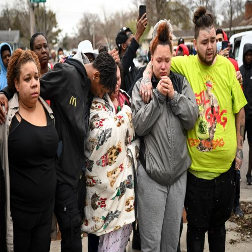 Residents Outraged After Minneapolis Police Shoot and Kill Black Man During Traffic Stop