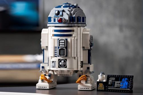 LEGO Taps 'Star Wars' for 50th-Anniversary R2-D2 Re-Issue