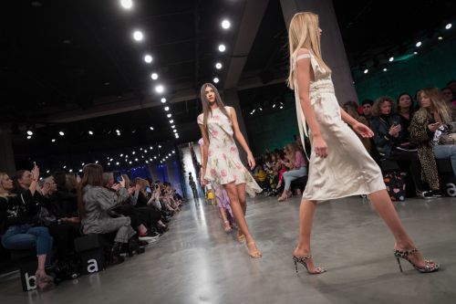 Watch the Topshop Unique Runway Show Live