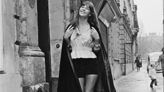 Great Outfits in Fashion History: Jane Birkin in Velvet Shorts in 1971