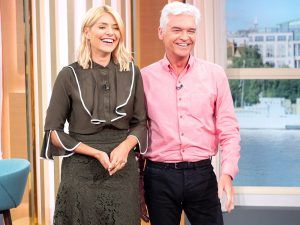 Holly Willoughby's Khaki Outfit Appears To Have Divided Fans