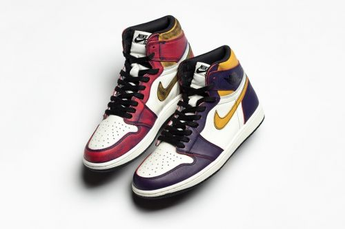 "Nike SB x Air Jordan 1 ""Lakers"" Actually Turns Into ""Chicago"" Colorway After Multiple Wears"