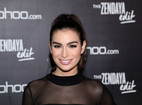Bachelor Nation's Ashley Iaconetti Gets Called out for Inadvertently Transphobic Tweet