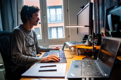 Microsoft Research Suggests That Your Brain Needs a Break Between Video Calls