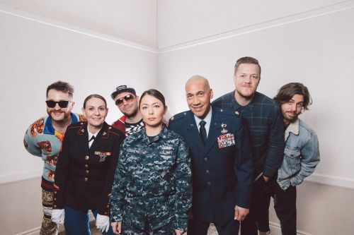 Imagine Dragons, Gavin DeGraw and Boyz II Men stand Side By Side with military