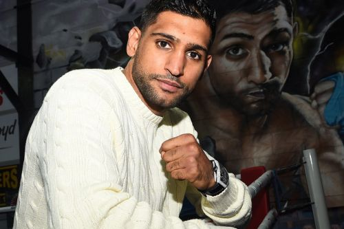 Wrist Check: Boxer Amir Khan Gifts His 1-Year-Old Son a $40,000 USD Rolex Daytona
