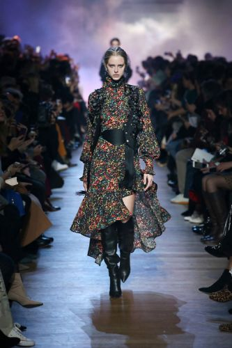 ELIE SAAB Ready-to-Wear Autumn Winter 2018-19 Collection