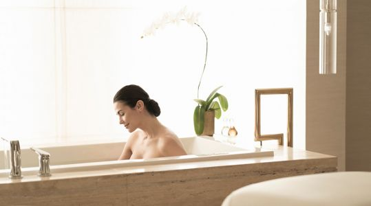 Soaking It In: Bathtubs With a View