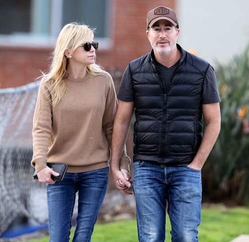 She Said Yes! Anna Faris and Boyfriend Michael Barrett Are Engaged: 'They're Right for Each Other'