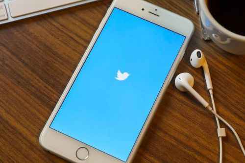 "Twitter Introduces New Paid Subscription Service ""Super Follow"""