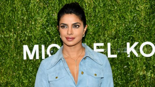 Priyanka Chopra Takes Inspo From Meghan Markle, Will Reportedly Marry Nick Jonas In A Palace