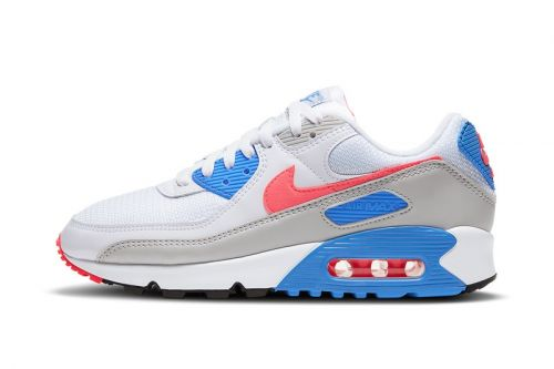 """The Nike Air Max 90 """"Hot Coral"""" Is Returning in OG Form"""