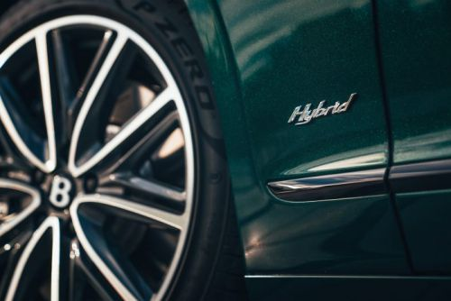 Bentley Reveals Flying Spur Hybrid at The Macallan