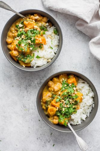 17 Plant-Based Slow-Cooker Dinners Anyone Can Make