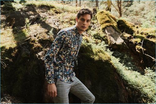 Greg Nawrat Ventures Outdoors for Medicine Fall '18 Campaign