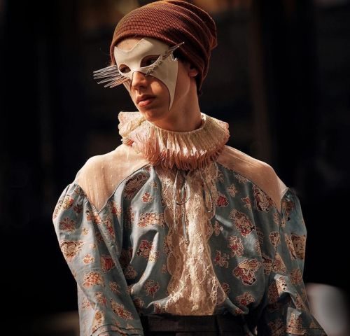 Gucci: Michele Masks Models at Mirrored Milan Show
