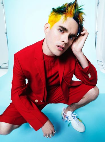 Waterparks' Awsten Knight Brings His Colorful Personality to VMAN
