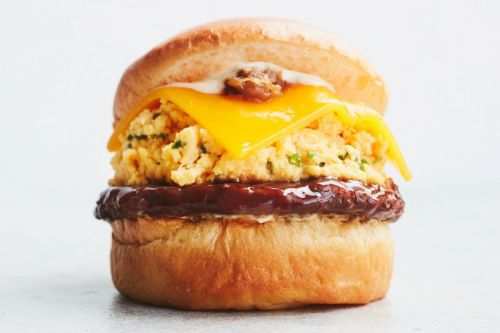 Eggslut Introduces Scrambled Eggs and Teriyaki Burger Special Item in Japan