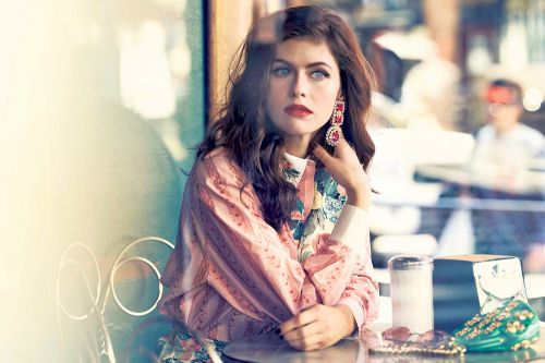 'Baywatch' star Alexandra Daddario on her new dark comedy - and her Italian family's secrets