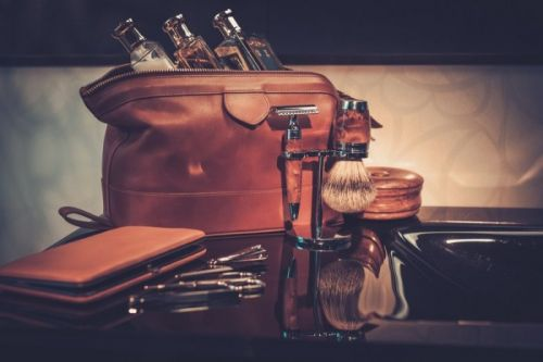 5 Safety Razor Travel Cases for Complete Shaves