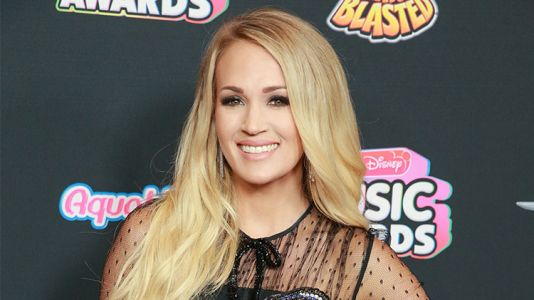 Carrie Underwood Posts First Baby Bump Pic After Announcing Her 2nd Pregnancy