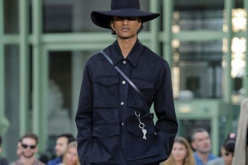 AMI SS20 Dabbles in Gender-Fluid Insouciance