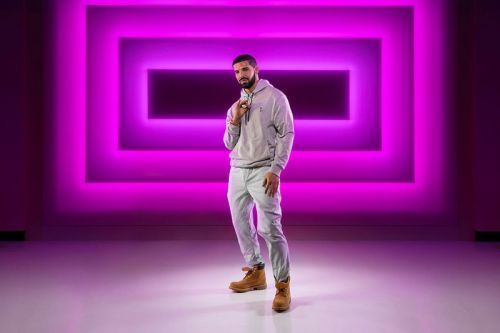 """Drake's """"Hotline Bling"""" Gets Immortalized at the Las Vegas Madame Tussauds"""