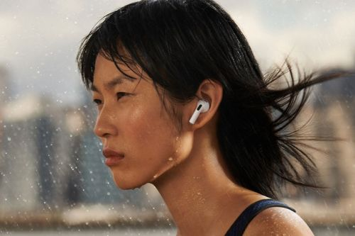 Apple AirPods Review: A Much-Needed Redesign