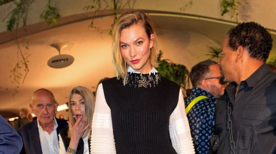 Model Karlie Kloss Shuts Down Pregnancy Rumors, Just Loves French Fries