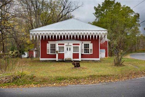 BACKROADS BUILDINGS: IN SEARCH OF THE VERNACULAR